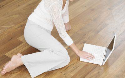 Qu'est-ce que le sablage de plancher sans poussière?